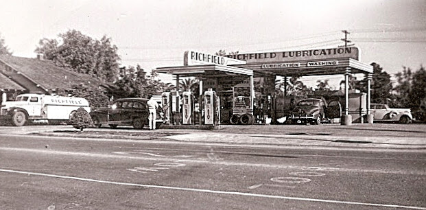 Richfield Gas Station at the Northeast Corner of Pomona Avenue & Imperial. (Photo Courtesy of the Brea Museum & Historical Society)